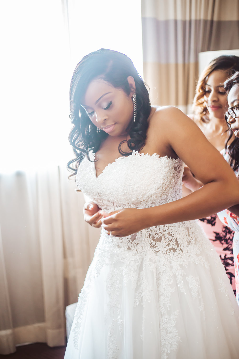 bride-getting-ready-towson-sheraton-wedding