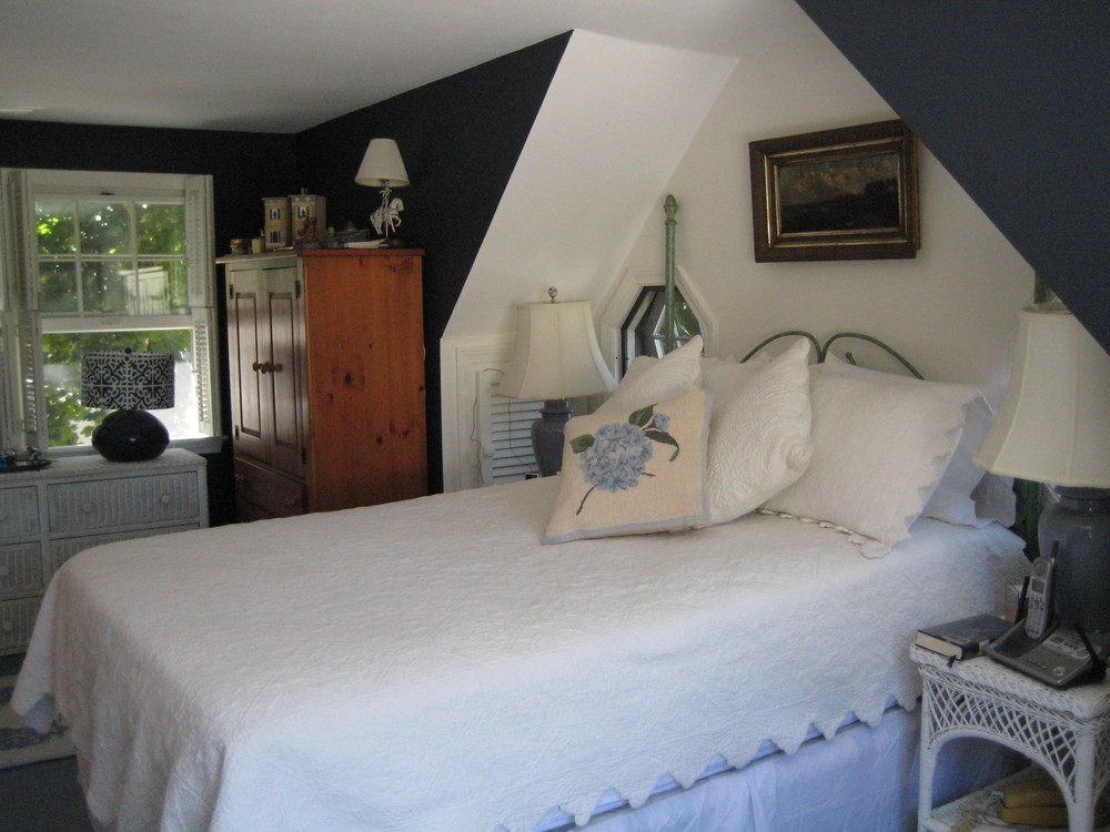 Cozy Cottage Bedroom