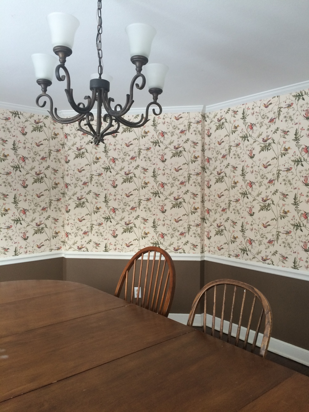 More of that lovely wallpaper in Bethany!