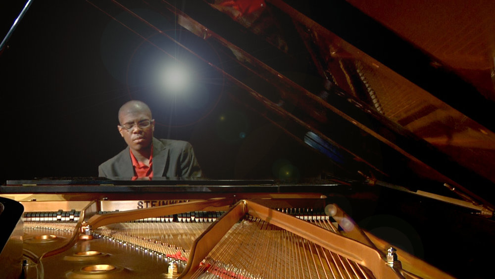 kyle_walker_pianist_image-4.jpg