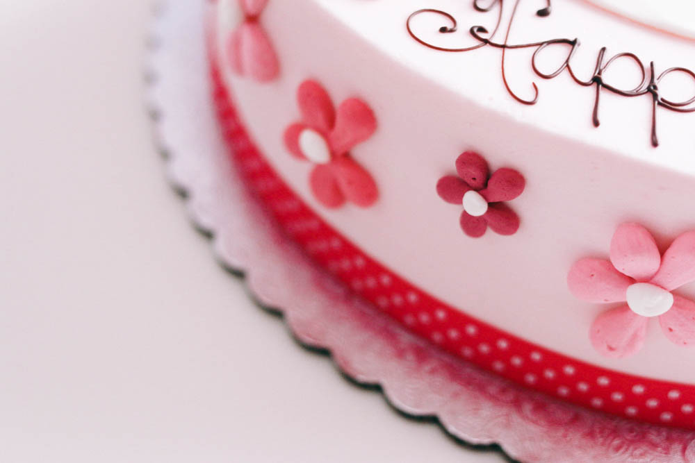 Hello Kitty Birthday Cake on ourcitylights-3.jpg