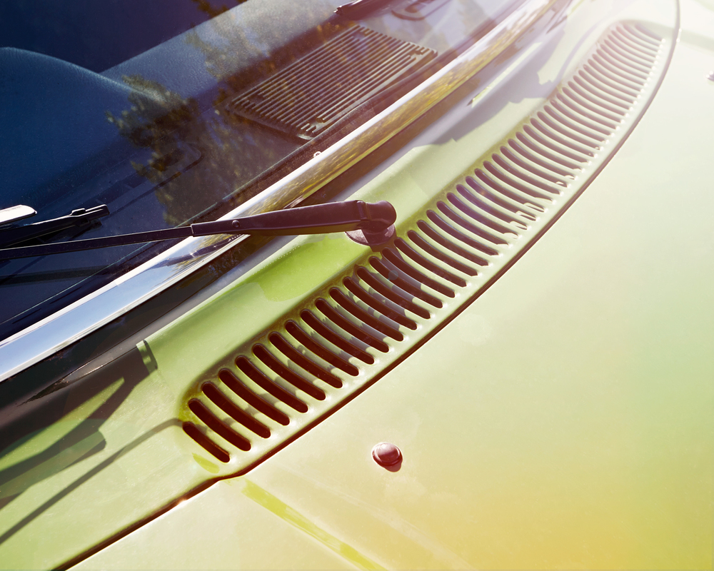 Volvo 245DL - Bonnet.jpg