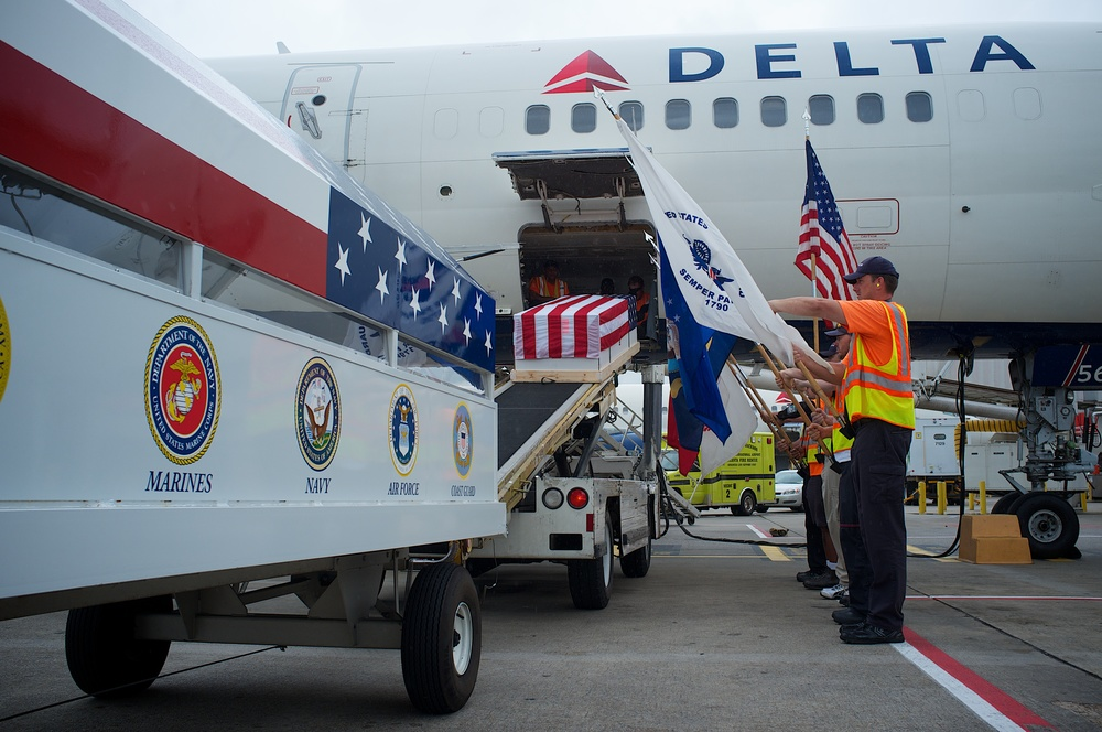 Delta Airlines Honor Guard 22151.jpg