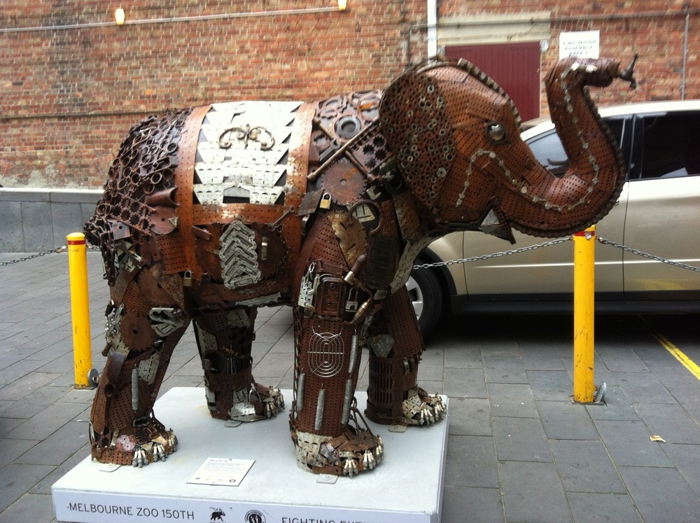 elephant in china town.jpg