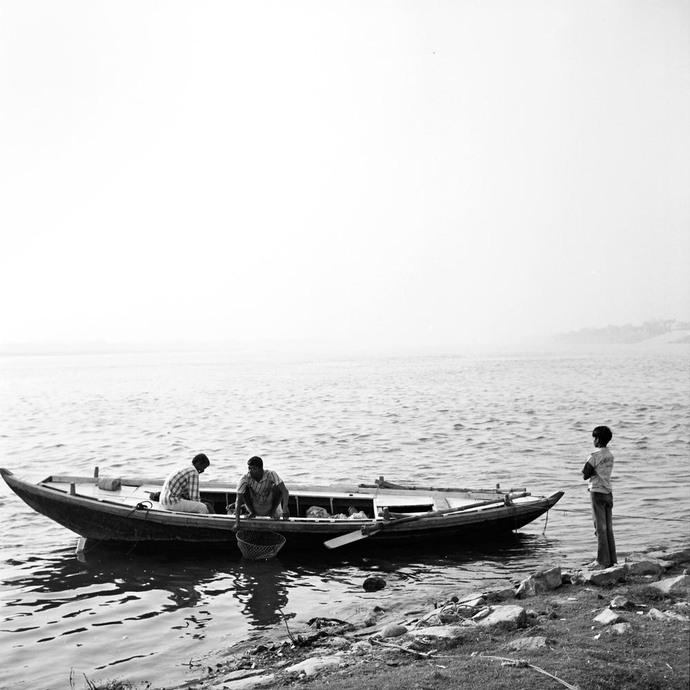ganges-boat.jpg