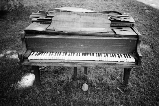 Piano in a front yard