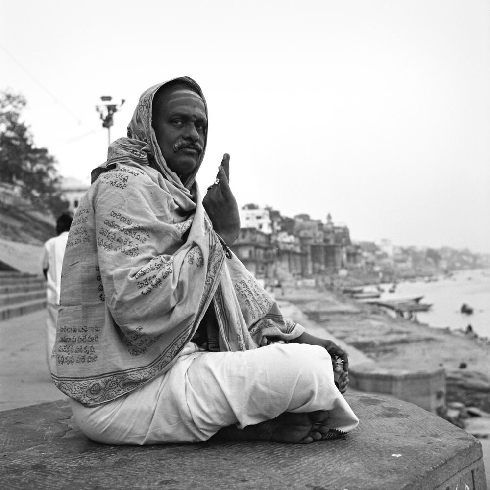 hindu-pilgram-varanasi.jpg