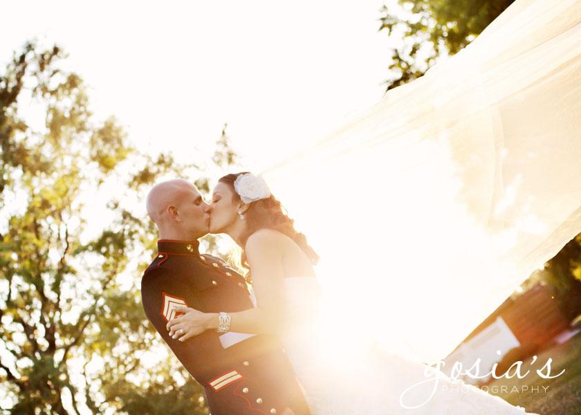 The-Marq-wedding-couple-02.jpg
