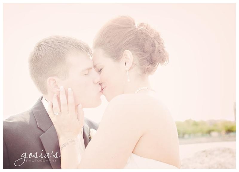 Roma-Lodge_Racine_wedding-15.jpg