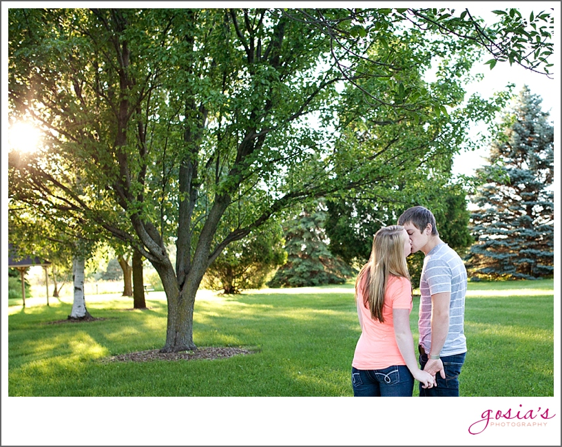 Fox Valley-engagement-session-Wisconsin-Gosia's-Photography_0016.jpg