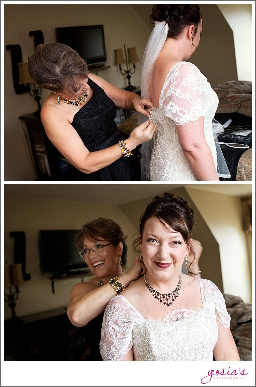 Green-Bay-Lambeau-field-wedding-photographer-Gosias-Photography-couple-Becky-Matt_0003.jpg