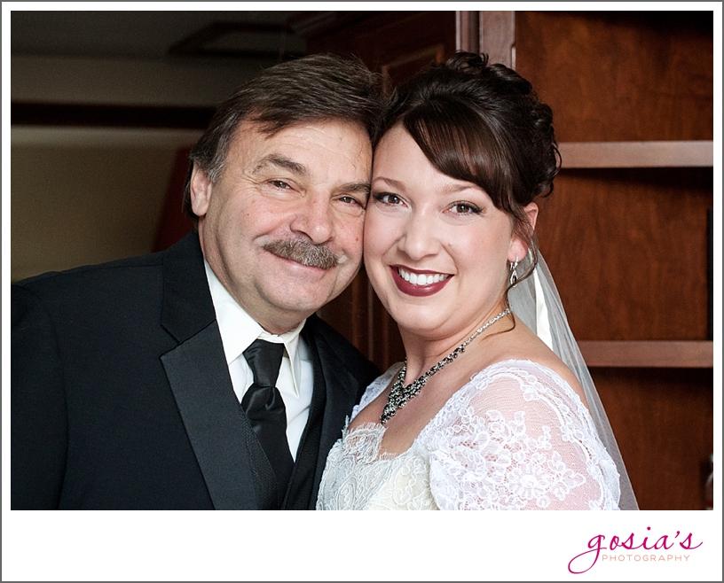 Green-Bay-Lambeau-field-wedding-photographer-Gosias-Photography-couple-Becky-Matt_0005.jpg