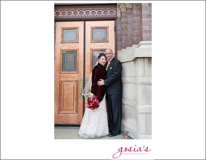 Green-Bay-Lambeau-field-wedding-photographer-Gosias-Photography-couple-Becky-Matt_0021.jpg