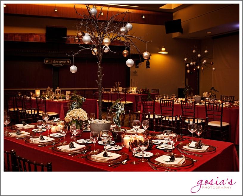 Green-Bay-Lambeau-field-wedding-photographer-Gosias-Photography-couple-Becky-Matt_0025.jpg