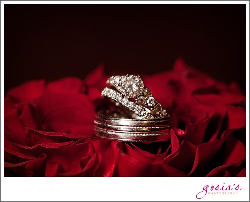 Green-Bay-Lambeau-field-wedding-photographer-Gosias-Photography-couple-Becky-Matt_0039.jpg
