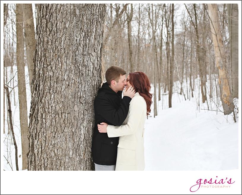Appleton-winter-engagement-session-photographer-Gosias-Photography_0003.jpg