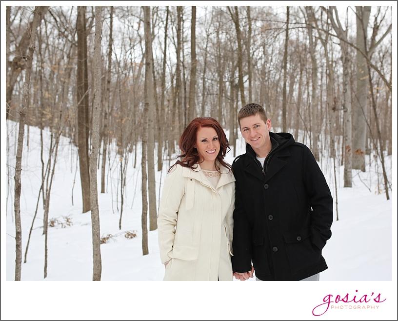 Appleton-winter-engagement-session-photographer-Gosias-Photography_0004.jpg