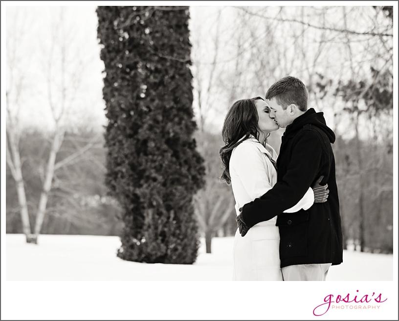 Appleton-winter-engagement-session-photographer-Gosias-Photography_0011.jpg