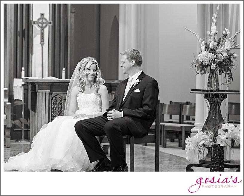 Saint-Joseph-wedding-ceremony-North-Shore-Golf-Club-reception-Menasha-wedding-photographer-Gosias-Photography-Krystle-Ryan-_0017.jpg