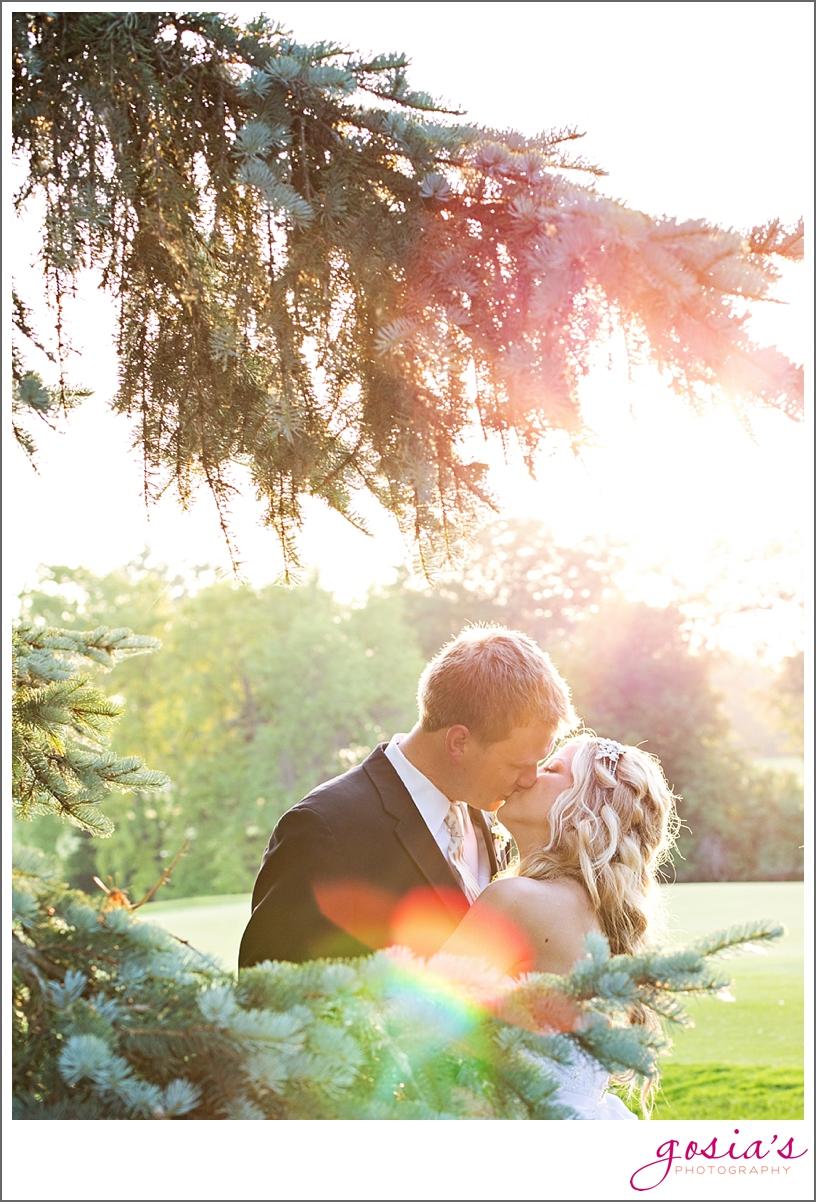 Saint-Joseph-wedding-ceremony-North-Shore-Golf-Club-reception-Menasha-wedding-photographer-Gosias-Photography-Krystle-Ryan-_0044.jpg