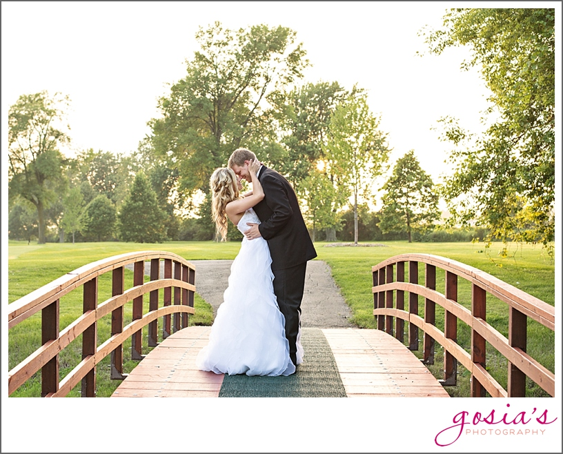 Saint-Joseph-wedding-ceremony-North-Shore-Golf-Club-reception-Menasha-wedding-photographer-Gosias-Photography-Krystle-Ryan-_0048.jpg