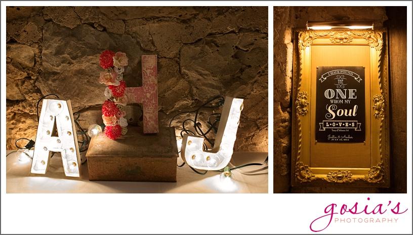 barn-wedding-outdoors-Hilbert-photographer-gosias-photography-_0008.jpg
