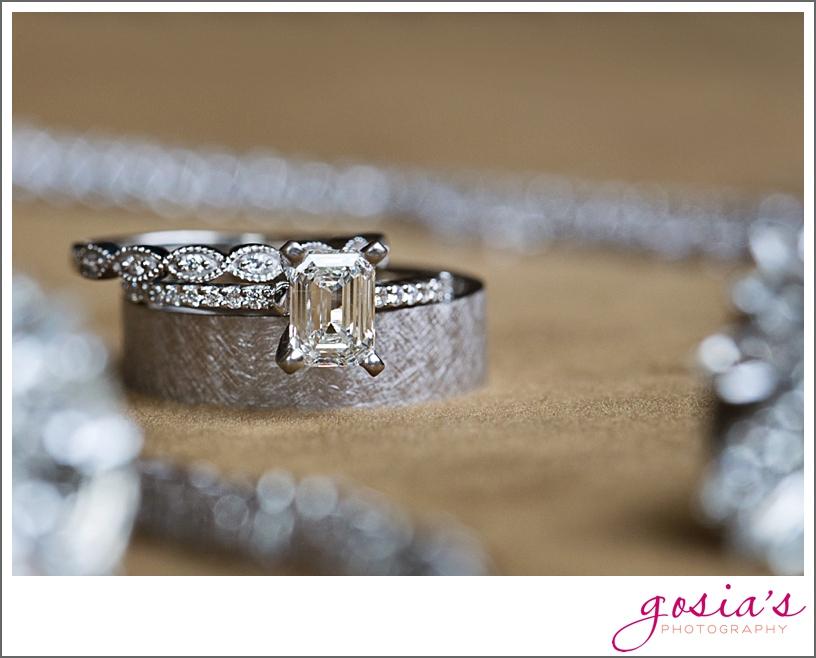 barn-wedding-outdoors-Hilbert-photographer-gosias-photography-_0015.jpg