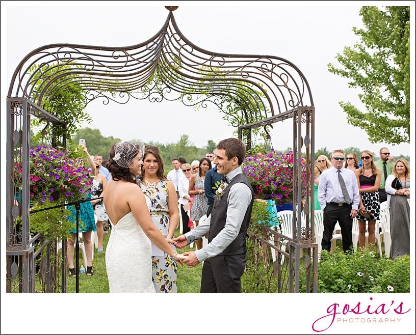 barn-wedding-outdoors-Hilbert-photographer-gosias-photography-_0025.jpg