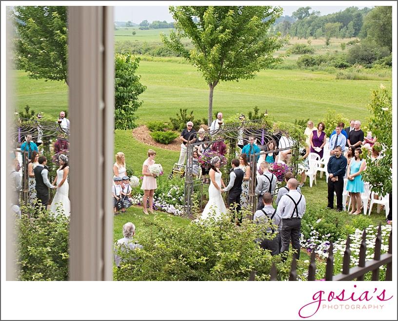 barn-wedding-outdoors-Hilbert-photographer-gosias-photography-_0026.jpg