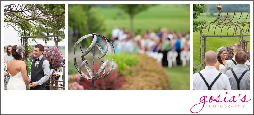barn-wedding-outdoors-Hilbert-photographer-gosias-photography-_0027.jpg