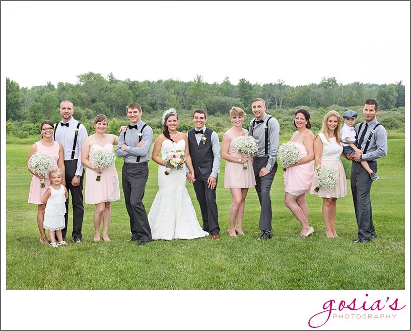 barn-wedding-outdoors-Hilbert-photographer-gosias-photography-_0032.jpg