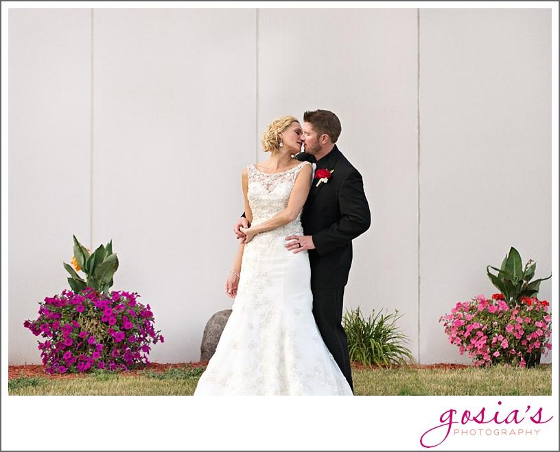 Radisson-Hotel-Green-Bay-wedding-photographer-gosias-photography-nicole-and-drew-_0020.jpg