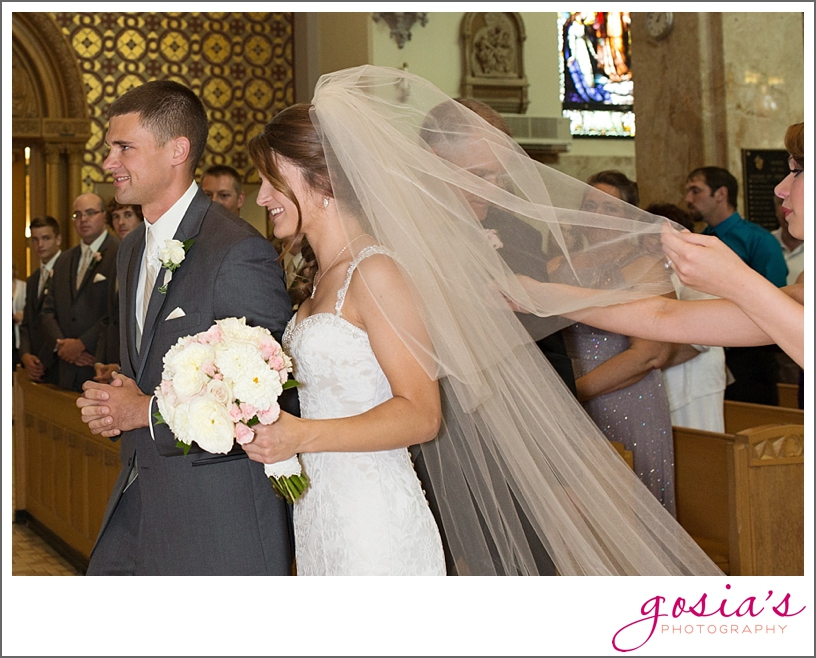 St-Francis-Xavier-catholic-church-The-Marq-Green-Bay-wedding-photographer-gosias-photography-Lauren-and-Dustin-_0012.jpg