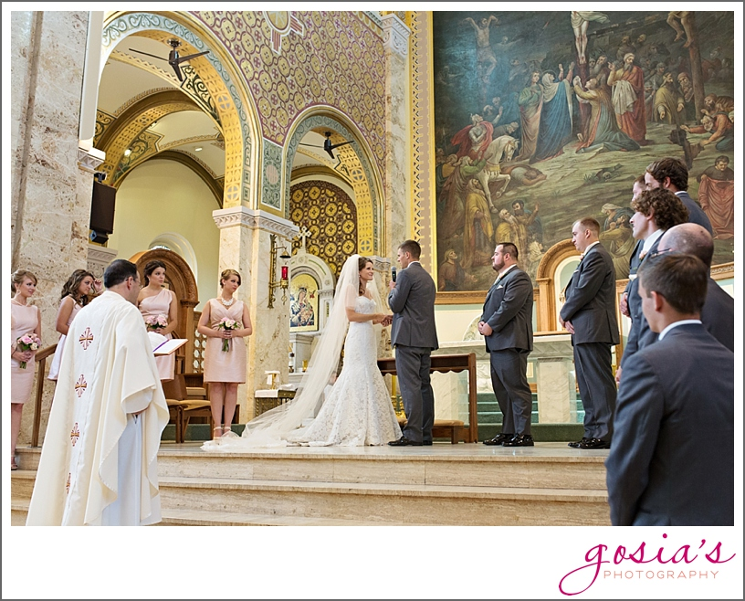 St-Francis-Xavier-catholic-church-The-Marq-Green-Bay-wedding-photographer-gosias-photography-Lauren-and-Dustin-_0016.jpg