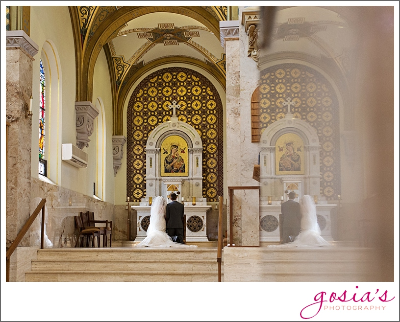 St-Francis-Xavier-catholic-church-The-Marq-Green-Bay-wedding-photographer-gosias-photography-Lauren-and-Dustin-_0017.jpg