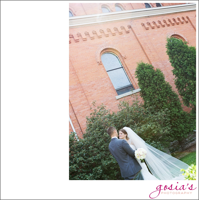 St-Francis-Xavier-catholic-church-The-Marq-Green-Bay-wedding-photographer-gosias-photography-Lauren-and-Dustin-_0019.jpg