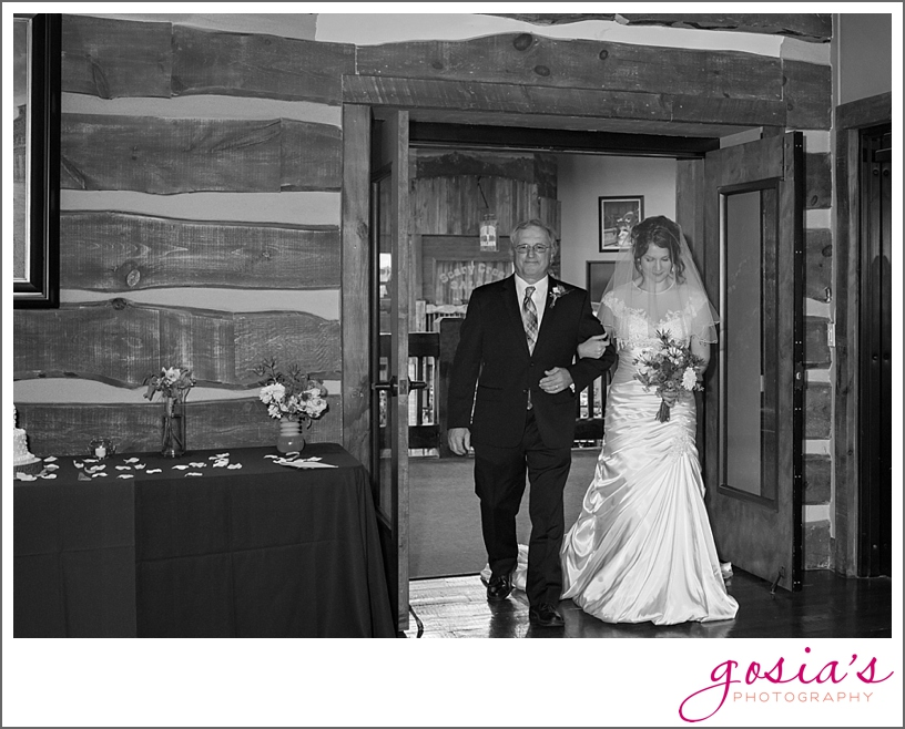 Olde-41-Green-Bay-wedding-ceremony-reception-photographer-Gosias-Photography-Michelle-and-Jimmy-_0012.jpg