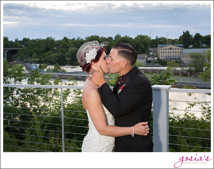 Appleton-Riverview-Garden-June-wedding-photographer-Gosias-Photography-Lyndsey-Joe-_0040.jpg