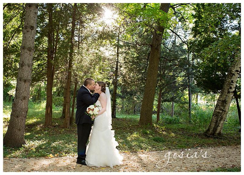 Appleton-wedding-Waverly-Beach-reception-photographer-Gosias-Photography-Becca-and-Alex-_0019.jpg