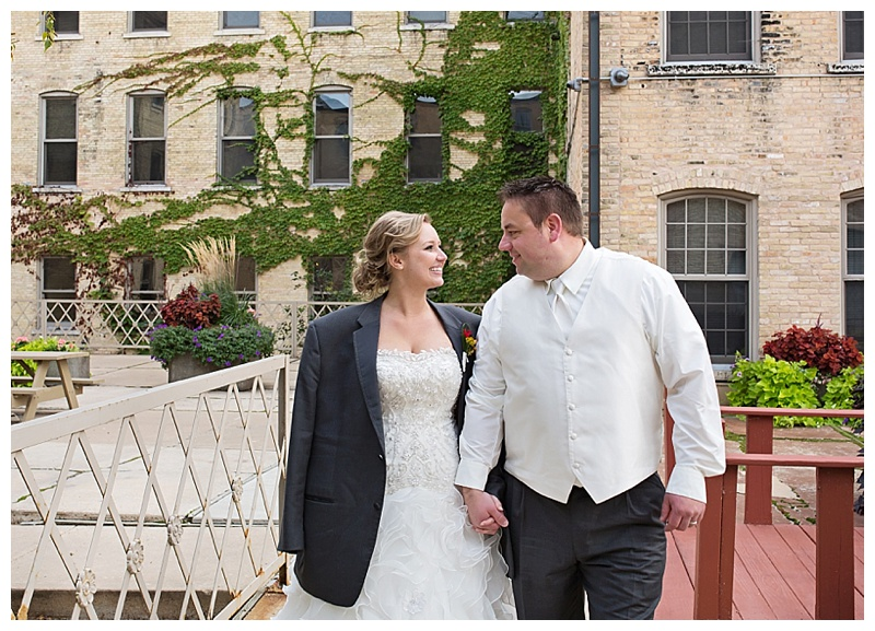 Appleton-wedding-Green-Bay-photographer-favorite-moments-best-of-2015-Gosias-Photography-couple-027.jpg