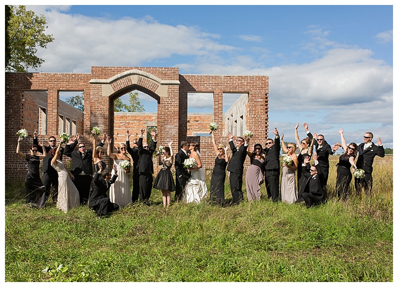Appleton-wedding-Green-Bay-photographer-favorite-moments-best-of-2015-Gosias-Photography-group-bridal-party-013.jpg