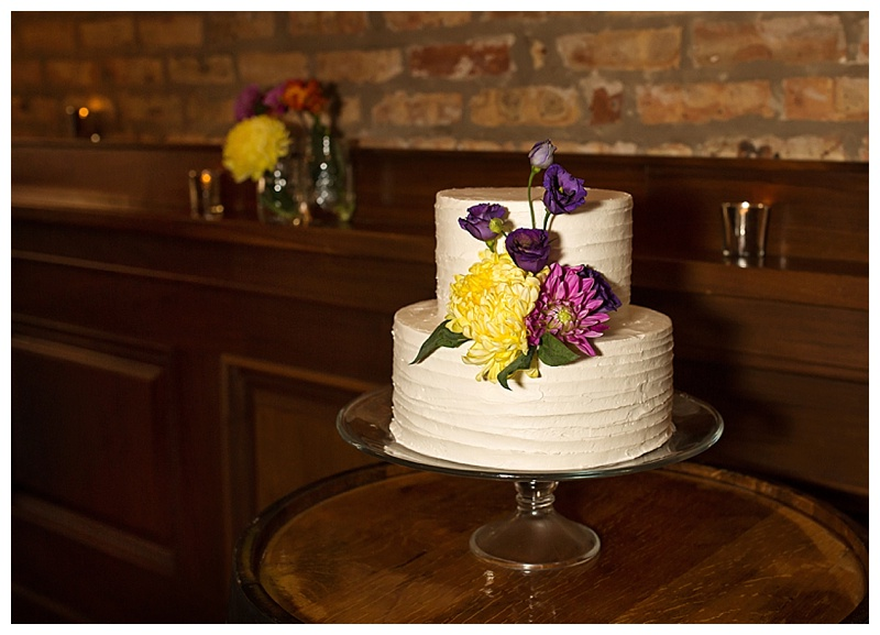Appleton-wedding-Green-Bay-photographer-favorite-moments-best-of-2015-Gosias-Photography-rings-cake-016.jpg