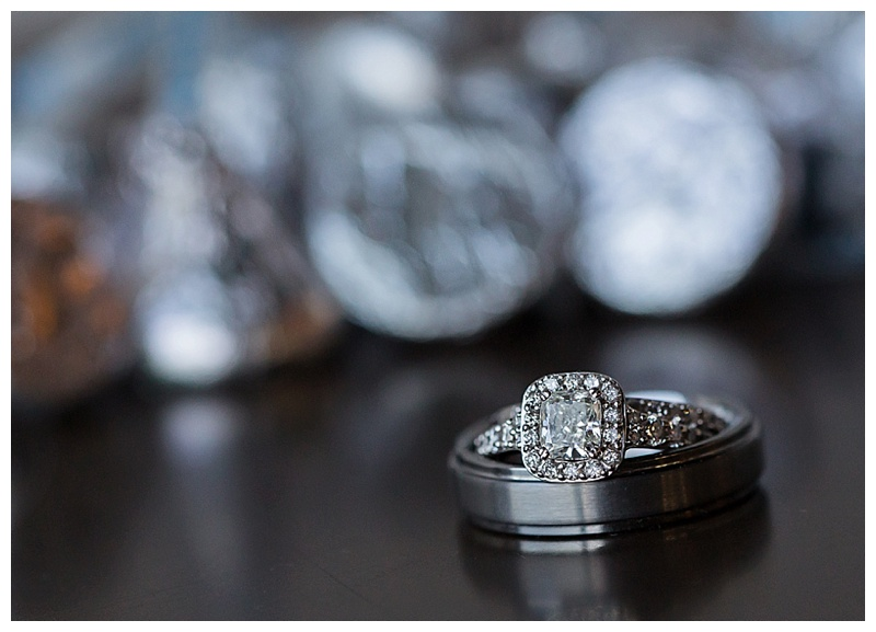 Appleton-wedding-Green-Bay-photographer-favorite-moments-best-of-2015-Gosias-Photography-rings-cake-026.jpg
