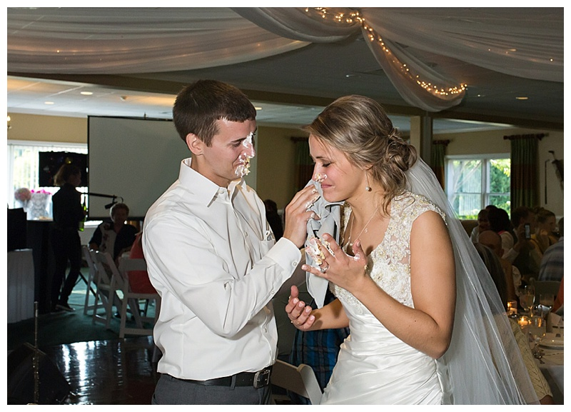 Appleton-wedding-Green-Bay-photographer-favorite-moments-best-of-2015-Gosias-Photography-rings-cake-028.jpg