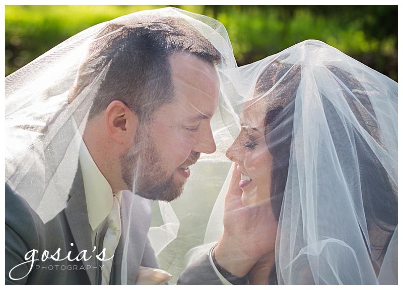 Milwaukee-Torrie-Dave-Tryba-County-barn-wedding-Appleton-photographer-Gosias-Photography-_0031.jpg