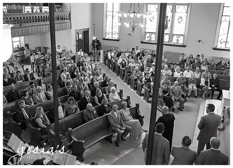 Milwaukee-Torrie-Dave-Tryba-County-barn-wedding-Appleton-photographer-Gosias-Photography-_0015.jpg