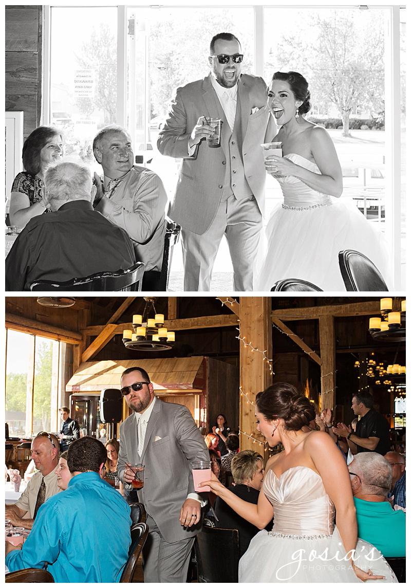 Milwaukee-Torrie-Dave-Tryba-County-barn-wedding-Appleton-photographer-Gosias-Photography-_0043.jpg