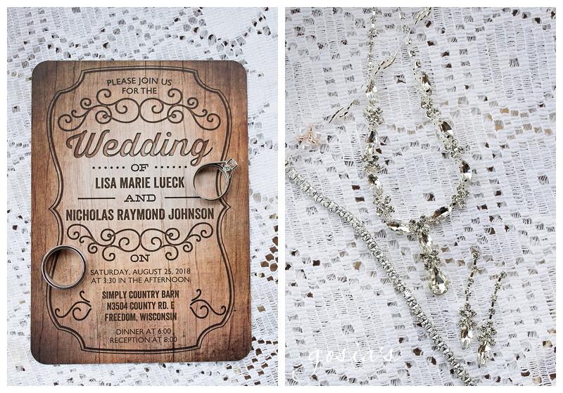 Lisa&Nick-Appleton-wedding-photographer-Gosias-Photography-trybas-simply-country-barn-_0004.jpg