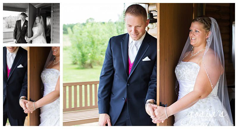 Lisa&Nick-Appleton-wedding-photographer-Gosias-Photography-trybas-simply-country-barn-_0011.jpg
