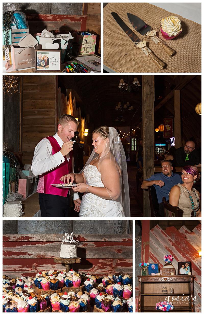Lisa&Nick-Appleton-wedding-photographer-Gosias-Photography-trybas-simply-country-barn-_0028.jpg